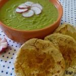 Суп пюре с зелёным горошком и кукурузной тортильей
