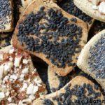 Готовим домашнее печенье крекер с черным кунжутом